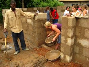 Volunteers Building in Ghana