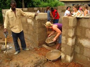 Volunteers Building in Ghana