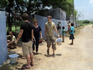 Volunteer School Building in India Projects Abroad