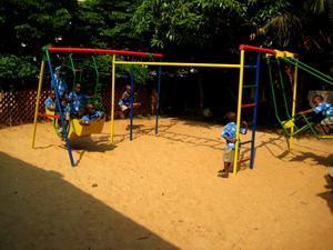 Jardín de juego en centro de cuidado infantil en Togo