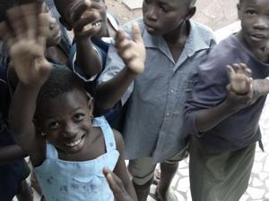 Niños en centro de cuidado infantil en Togo