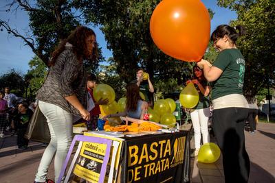 Voluntarias de Projects Abroad preparan campaña de Derechos Humanos