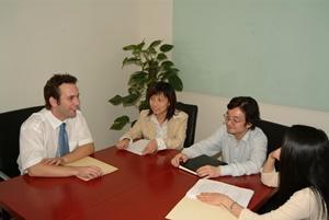 Internos de Leyes en China con abogados locales