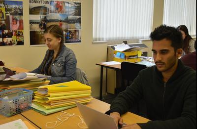 Voluntarios trabajando en Oficina de Derechos Humanos en Sudáfrica