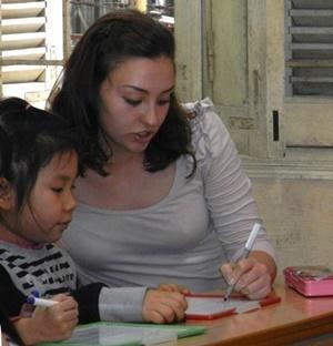 Una voluntaria del proyecto de Logopedia en Projects Abroad