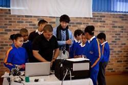 Clase de informática del proyecto de Projects Abroad en Sudáfrica