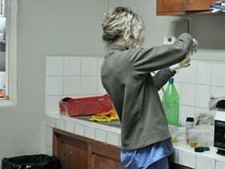 Enfermera profesional voluntaria trabajando en Perú