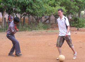 Enseñando Fútbol en la India como Voluntario