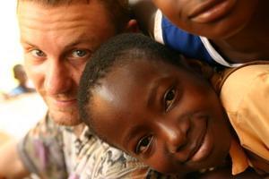 Care volunteer with children