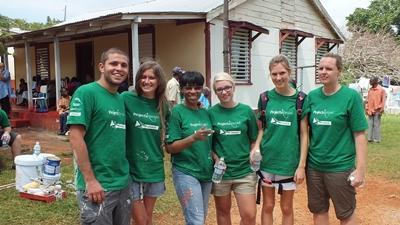 Voluntarios en proyecto de Construcción en Jamaica
